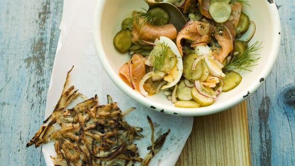 Rezept: Kartoffel-Lachs-Salat mit Schwarzwurzelpuffern