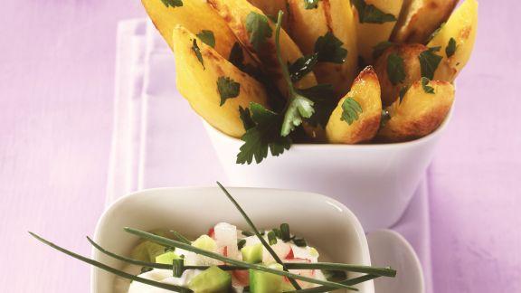 Rezept: Kartoffel-Wedges mit Radieschencreme