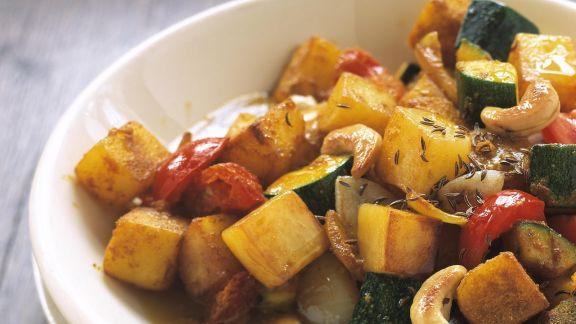 Rezept: Kartoffel-Zucchini-Curry mit Cashews