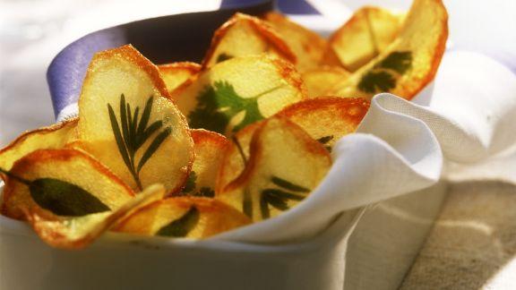 Rezept: Kartoffelchips mit Kräutern