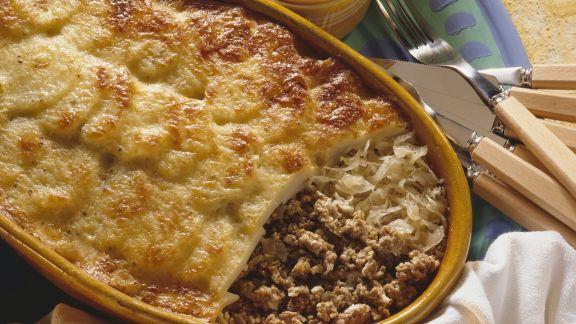 Rezept: Kartoffelgratin mit Hackfleisch und Sauerkraut