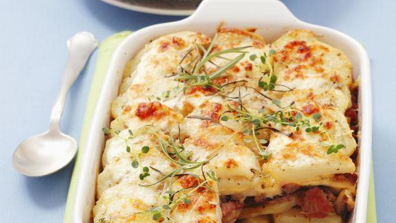 Rezept: Kartoffelgratin mit Hackfleisch von der Pute