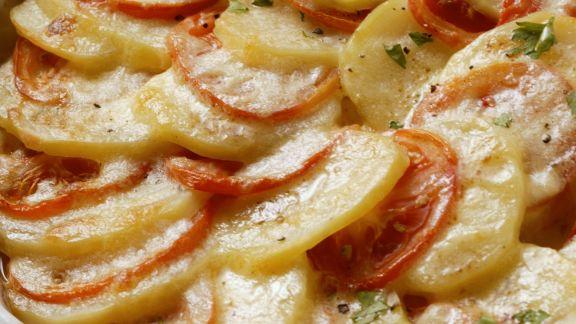 Rezept: Kartoffelgratin mit Tomaten