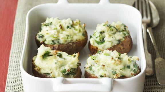 Rezept: Kartoffeln gefüllt mit Käse und Frühlingszwiebeln