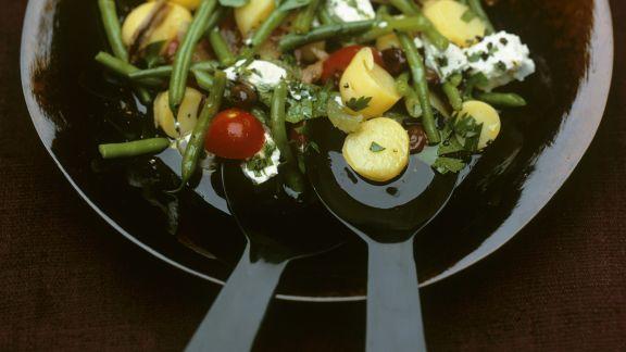 Rezept: Kartoffelsalat auf mediterrane Art mit grünen Bohnen und Ziegenkäse