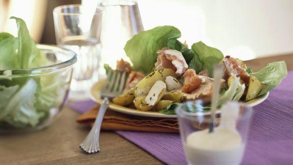 Rezept: Kartoffelsalat mit geräuchertem Fisch