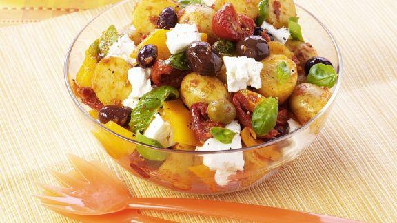 Rezept: Kartoffelsalat mit Oliven und Schafskäse