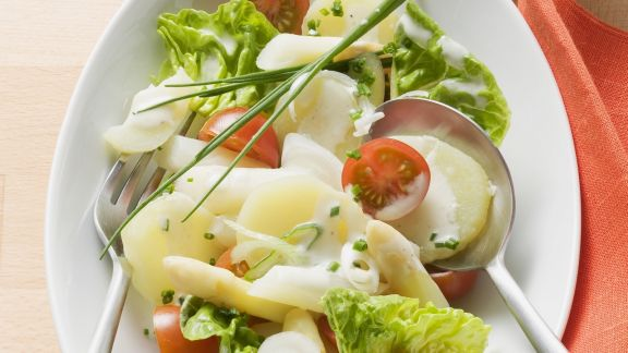 Rezept: Kartoffelsalat mit Spargel und Mayo-Dressing