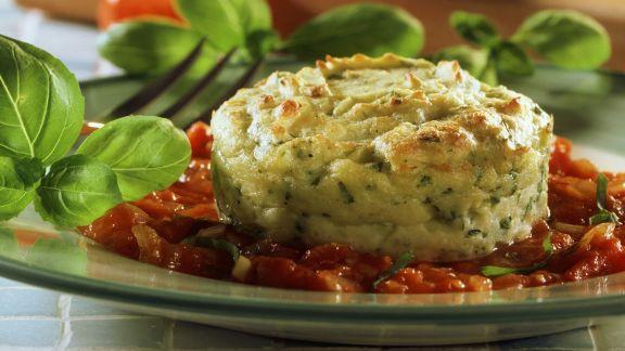 Rezept: Kartoffelsoufflee mit Tomatensoße