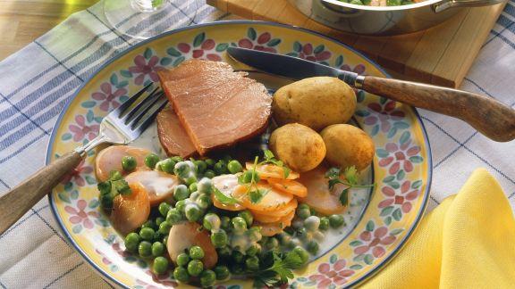 Rezept: Kassler mit buntem Gemüse und Kartoffeln