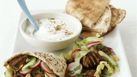 Rezept: Kebab vom Lamm mit Pitabrot und Joghurtsauce