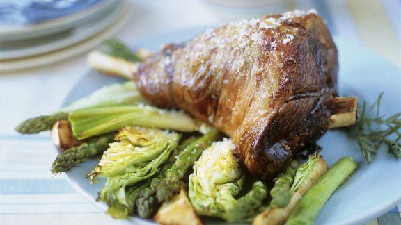 Rezept: Keule vom Lamm mit Gemüse
