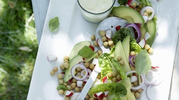 Rezept: Kichererbsen-Avocado-Salat