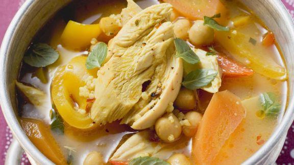 Rezept: Kichererbsen-Gemüsesuppe mit Hähnchen