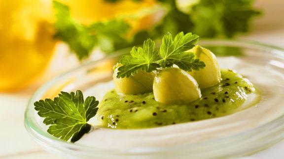 Rezept: Kiwi-Stachelbeerpüree mit Ricotta