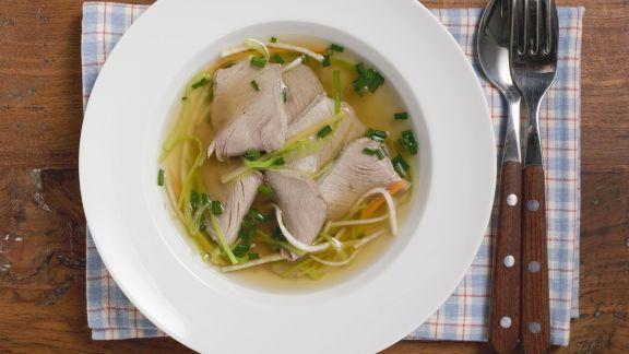 Rezept: Klare Suppe mit Rindfleisch