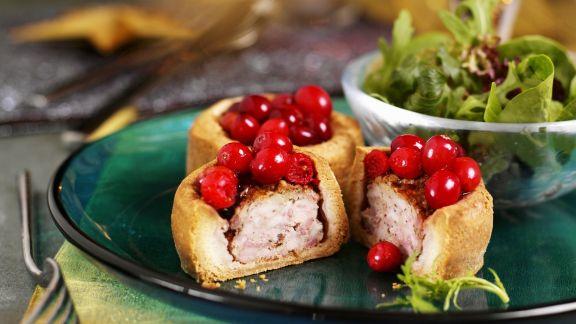Rezept: Kleine Pasteten mit Schweinefleisch und Cranberries