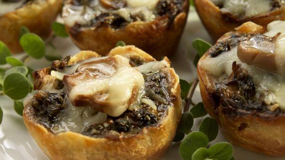 Rezept: Kleine Pilztörtchen mit Mozzarella