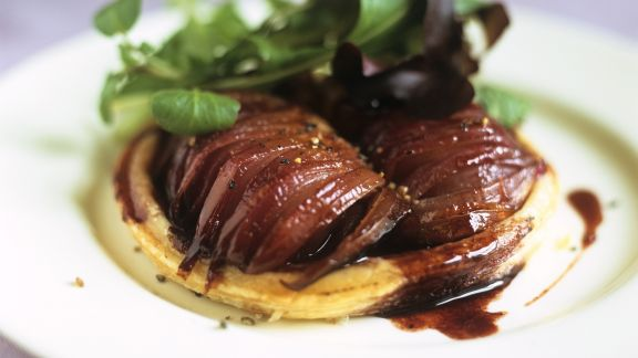 Rezept: Kleine Tarte mit roter Zwiebel