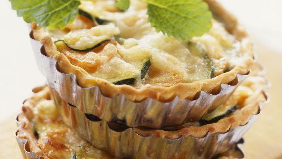 Rezept: Kleine Zucchini-Möhren-Törtchen