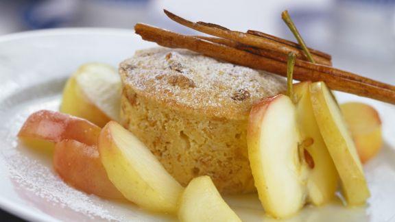 Rezept: Kleiner Apfel-Brot-Auflauf (Scheiterhaufen)