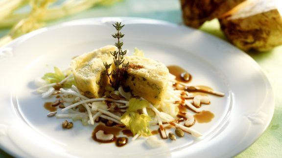 Rezept: Kleiner Kartoffel-Sellerie-Kuchen mit Selleriesalat