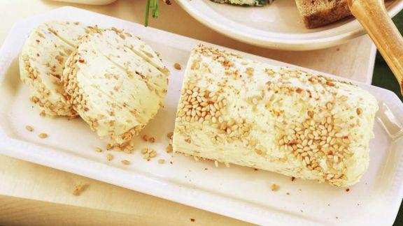 Rezept: Knoblauchbutter mit Sesam