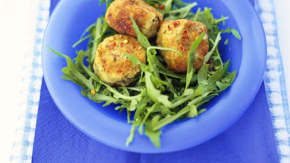 Rezept: Knusprige Auberginen auf Rucola