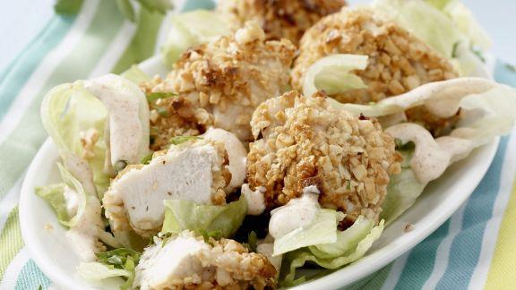 Rezept: Knusprige Hähnchenstücke im Erdnussmantel