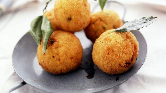 Rezept: Knusprige Reisbällchen auf italienische Art
