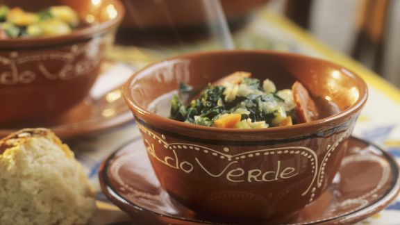 Rezept: Kohlsuppe aus Portugal mit Chorizo