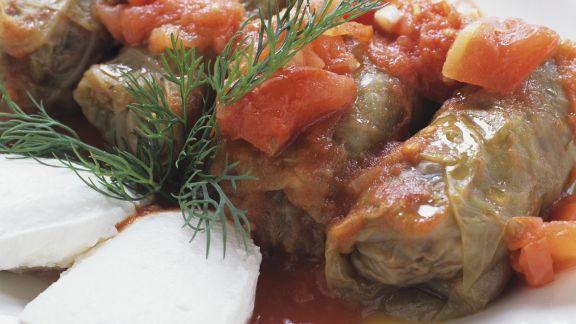 Rezept: Kohlwickel mit Tomatensoße