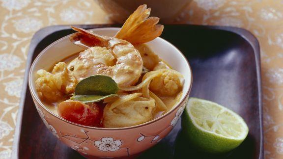 Rezept: Kokos-Fischsuppe mit Meeresfrüchten