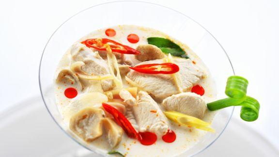 Rezept: Kokos-Geflügel-Suppe nach thailändischer Art