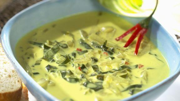 Rezept: Kokos-Mangoldsuppe