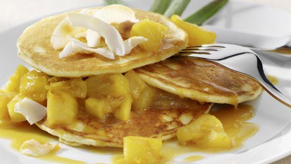 Rezept: Kokos-Pancakes mit Ananas