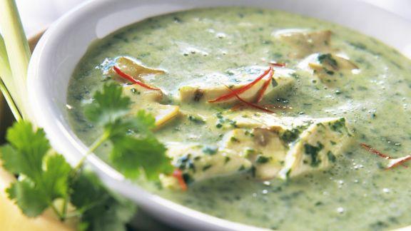Rezept: Kokossuppe mit Spinat und Hähnchen