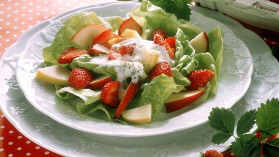 Rezept: Kopfsalat mit frischem Obst