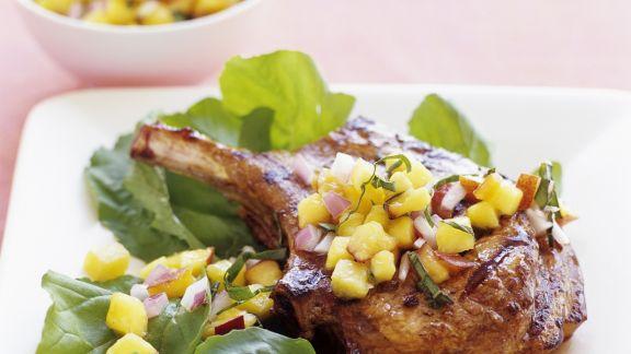 Rezept: Kotelett vom Kalb mit Pfirsich-Salsa