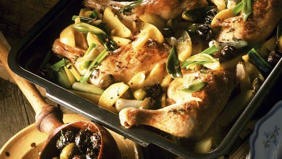 Rezept: Kräuter-Hähnchen mit Oliven und Lauchzwiebeln