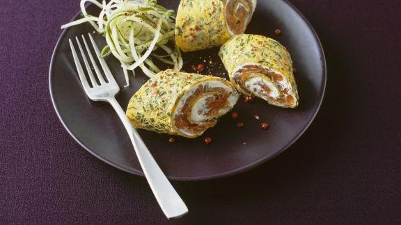 Rezept: Kräuter-Pfannkuchen gefüllt mit Frischkäse und Lachs