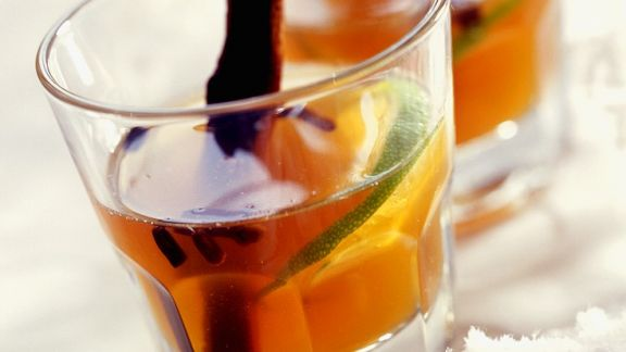 Rezept: Krupnik (Honiglikör aus Polen) mit Zimt