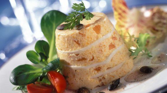 Rezept: Kürbisflan mit Kürbiskernen und Salat