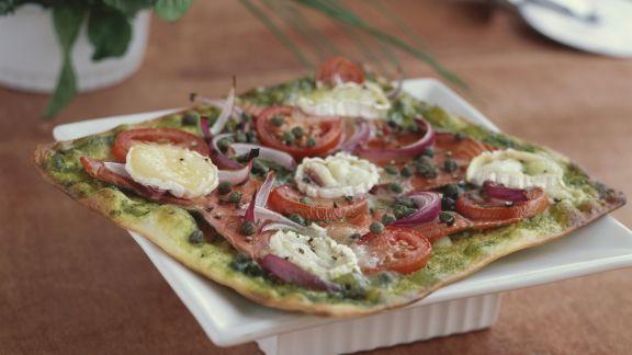 Rezept: Lachpizza mit Ziegenkäse