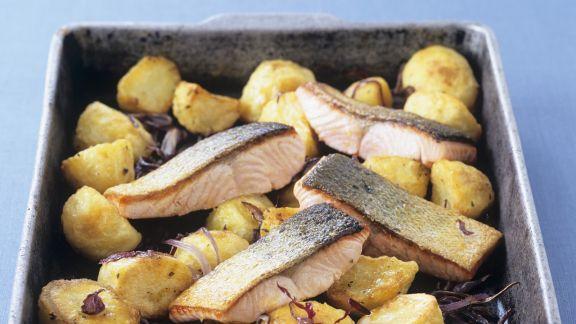 Rezept: Lachs mit gebackenen Kartoffeln