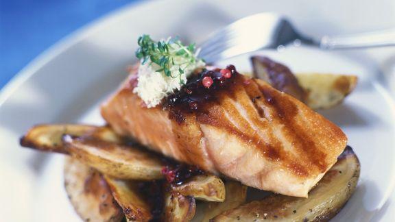 Rezept: Lachs mit Ofenkartoffeln