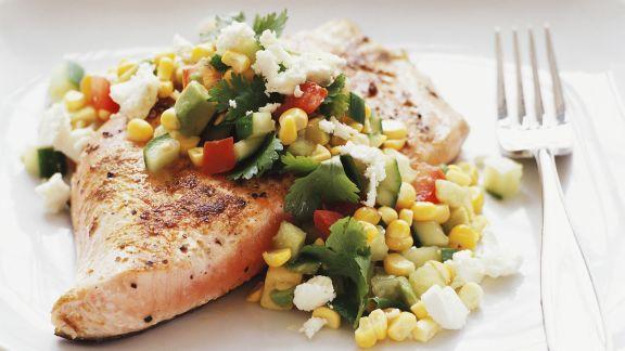 Rezept: Lachs mit Salsa aus Avocado und Mais