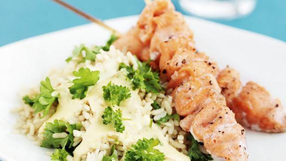 Rezept: Lachs-Spieße vom Grill mit Reis