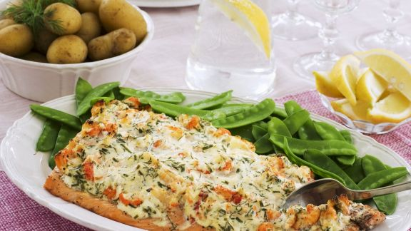 Rezept: Lachsfilet mit Garnelen-Topping