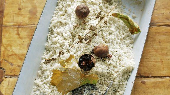 Rezept: Lachsforelle mit Salz überkrustet